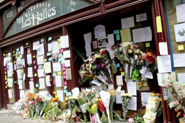 Anthony Bourdain's passing hit the world hard, and fans laid his memory to rest outside Brasserie Les Halles